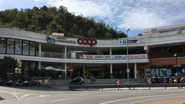 Centro Commerciale Le Lampare Arenzano